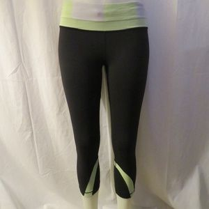 LULULEMON BLACK/GRAY/NEON GREEN CAPRI LEGGINGS 6